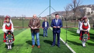 Красен Кралев откри игрище за мини футбол в Провадия