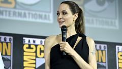 Анджелина Джоли пак събра всички погледи