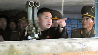"""Ким Чен Ун надъхва войската за """"свещена война"""" срещу Сеул"""