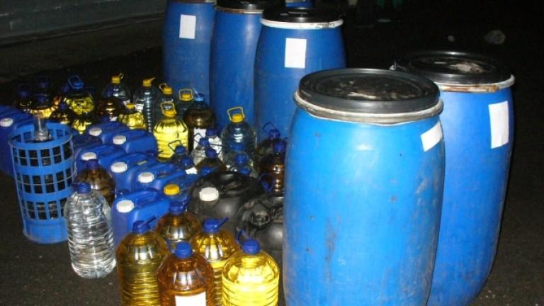 Задържаха 1 тон нелегален алкохол във варненски двор