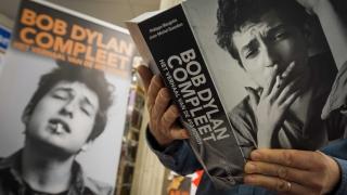Боб Дилън си взе Нобела