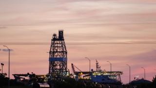 Печалбата на най-големия търговец на петрол се срина със 70%