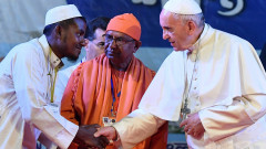 Папа Франциск се срещна с Рохинги в Бангладеш