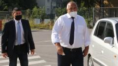 Борисов влезе с маска на разпит в спецсъда