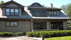 Скромната къща на Уорън Бъфет, която струва 0,000078% от богатството му (ВИДЕО)