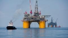 """Петролът спада след вчерашния скок. Ураганът """"Ирма"""" не го плаши"""