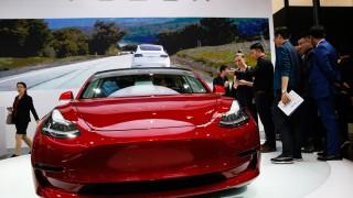 Мъск разкри подробности за Tesla Model 3 с два двигателя