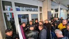 След работно време ВМРО поискаха оставката на министър заради цените на тока