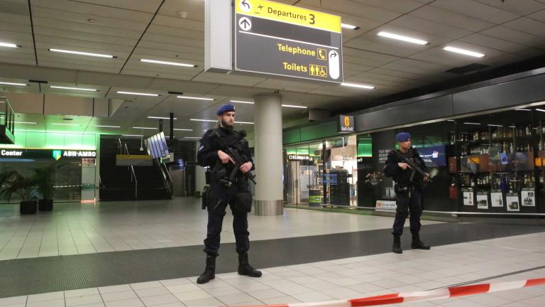 Снимка: Бомбена заплаха за летище Схипхол