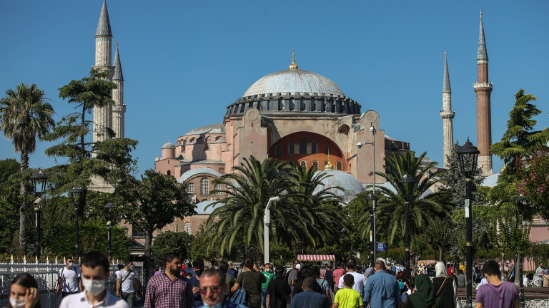 Решението на Турция да превърне някогашната византийска катедрала