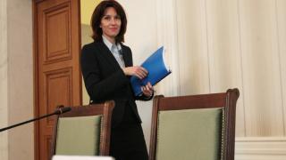 Следващата ЦИК ще се справи, ако се спазват правилата, увери Камелия Нейкова