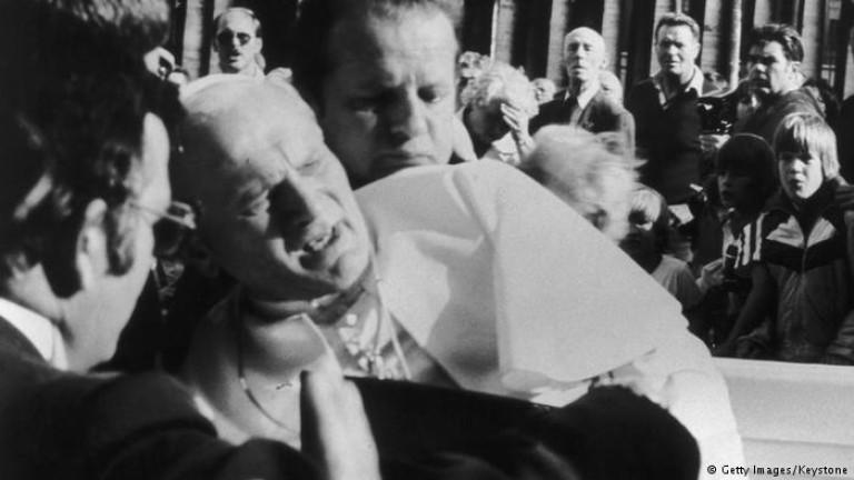 През 1981 Мехмед Али Агджа извършва атентат срещу папа Йоан