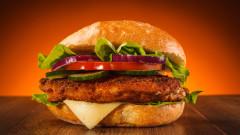 Клиент застреля сервитьор във Франция, забавили му сандвича
