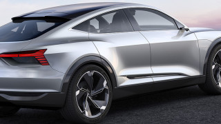 Audi се заядоха с Tesla в нова реклама