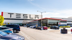 Tesla ще купува батериите за колите от завода си в Шанхай от LG