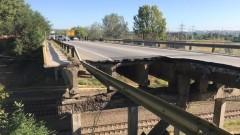 Опасен мост заплашва да откъсне част от село Първенец