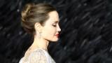 Анджелина Джоли, трудните моменти в живота и колко е важно да си истински