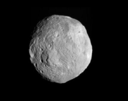 "Космическата сонда ""Доун"" достигна астероида Веста"