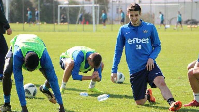 Илия Димитров ще играе под наем в Септември