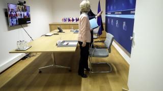 """ЕС """"настига"""" Великобритания в имунизацията, вярва шефът на ЕК"""