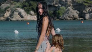Първи трейлър на The Lost Daughter с Дакота Джонсън и Оливия Колмън