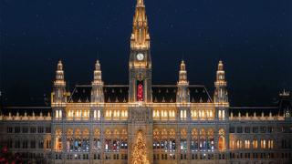 Виенското кметство се превръща в коледен календар