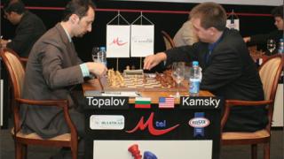 """Топалов победи и лидера на """"М-Тел Мастърс 2006"""""""
