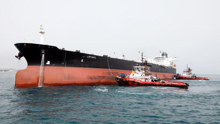 Милиони барели с ирански петрол се складират на пристанища в Китай