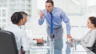 20 сигурни знака, че шефът ви мрази