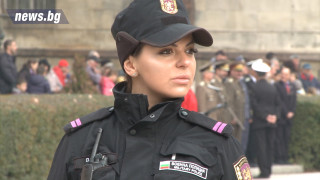 Каракачанов отличи випускниците на Военна академия