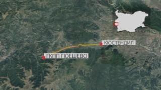 Автобус изгоря на път за Македония