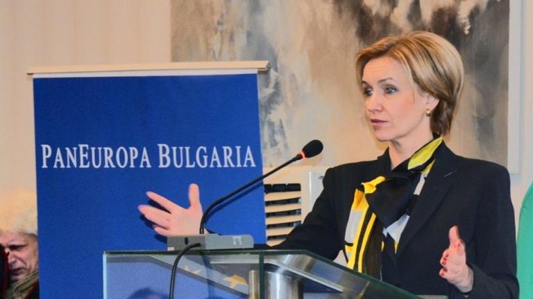 Гергана Паси не иска да е еврокомисар или част от служебен кабинет