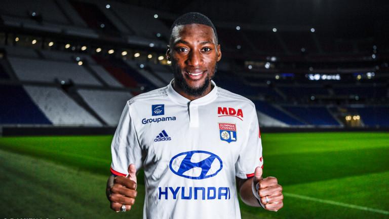 Олимпик Лион подписа четиригодишен договор с камерунския нападател Карл Токо-Екамби.