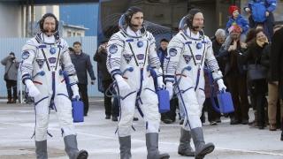 Забавени проекти от Boeing и SpaceX ще принудят американците да летят с руски ракети
