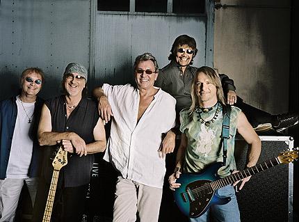 Deep Purple представят новия си албум в Каварна