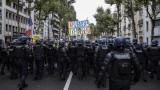 """237 000 казаха """"не"""" на COVID мерките във Франция"""