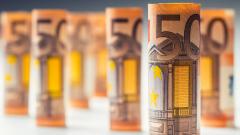 Еврото е под натиска на политическите рискове за Франция и ЕС