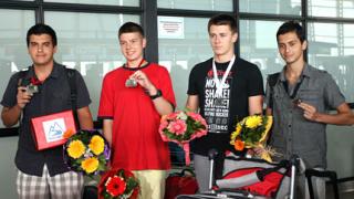 Награждават медалистите ни по информатика