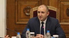 Румен Радев: Правителството целенасочено абдикира от машините