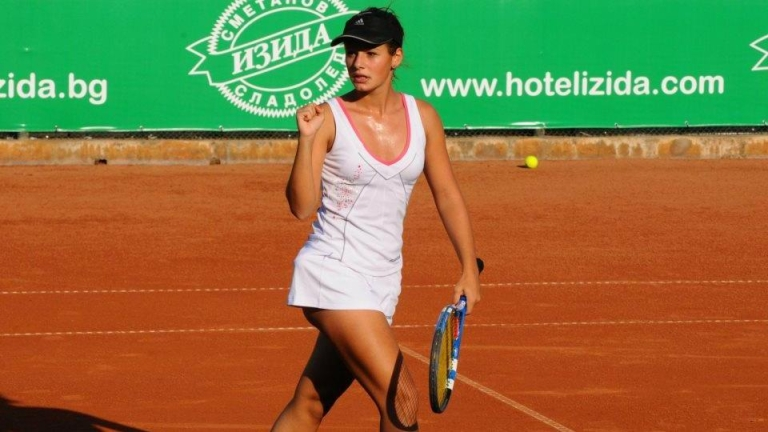 Стаматова на четвъртфинал в Анталия