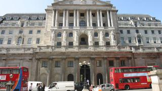 Централната банка на Англия не промени основната лихва