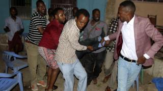 Вече 20 са жертвите на два взрива в Сомалия