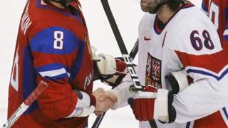 Русия спечели група В