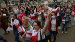 Женски поход в Минск срещу властта, има задържани