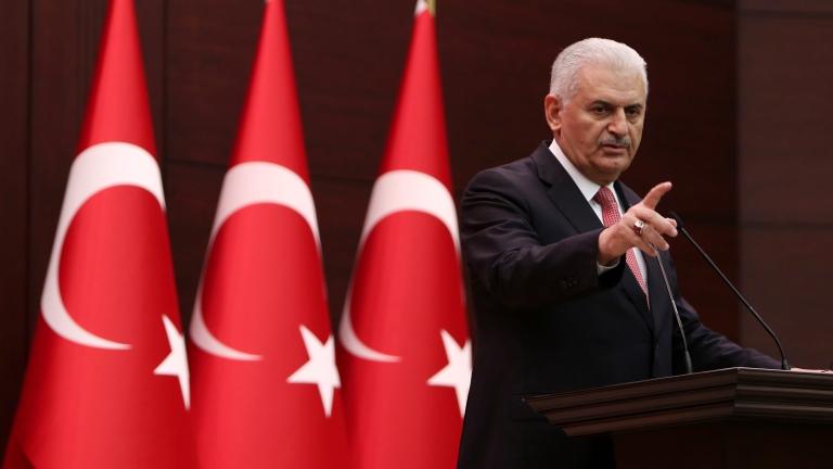 Над 70 000 жалби от разследвани за опита за преврат в Турция