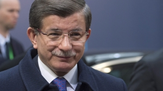 """Нямало да има """"пазарлък"""" между Турция и ЕС за бежанците, уверява Давутоглу"""