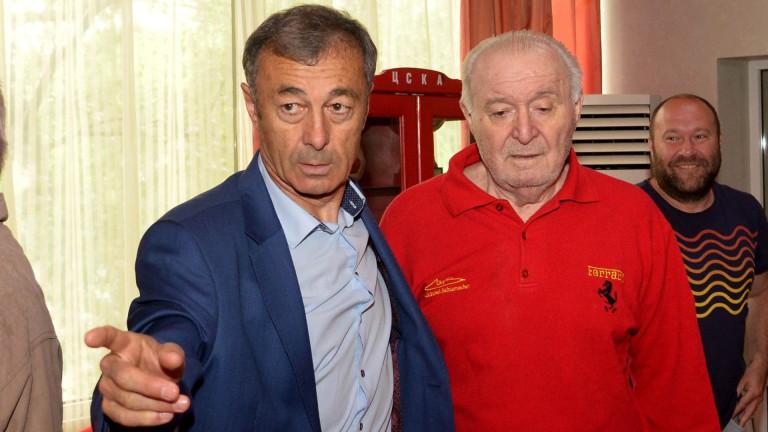 Петър Жеков: ЦСКА да изчака с продажбата на Десподов