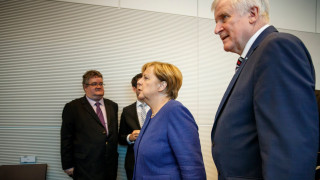 ХДС и ХСС се договориха за бежанците, зелените не са съгласни