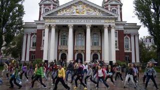 Подгряващата кампания на Sofia Dance Week - акция флаш-моб