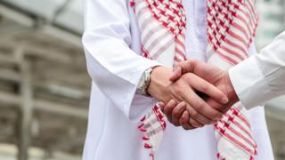 Как мъж, представящ се за саудитски принц, измами инвеститори за близо $8 милиона?